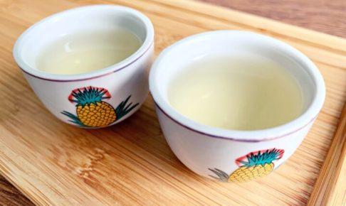 台湾烏龍茶を注いだ茶器