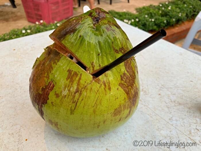 マレーシアのココナッツジュース