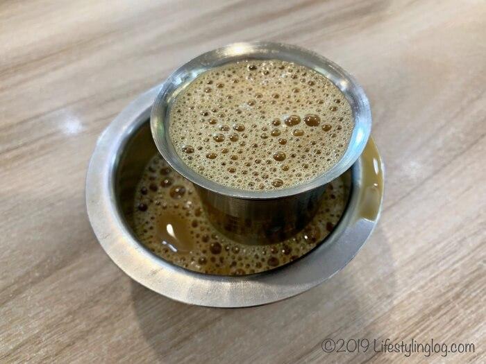 インド料理店のフィルターコーヒー