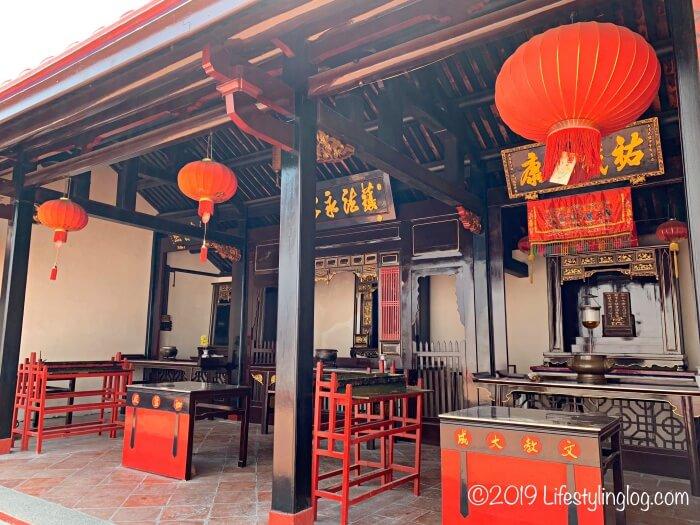 青雲亭(Cheng Hoon Teng)のメインホール外に奉られている神様