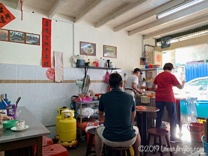 興發茶餐室(Heng Huat Coffee Shop)の店内