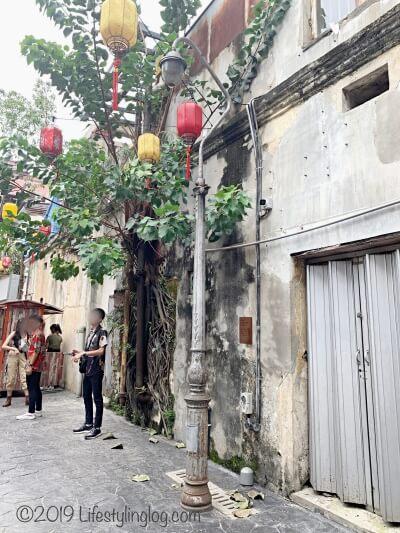 鬼仔巷(Kwai Chai Hong)にあるクアラルンプールで最も古いと言われる街灯