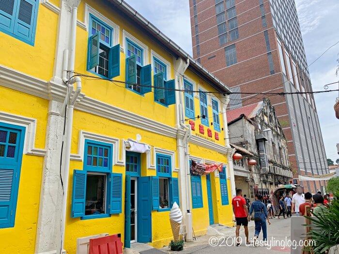 鬼仔巷(Kwai Chai Hong)にある青青(Pandan Republic)と品泉茶室