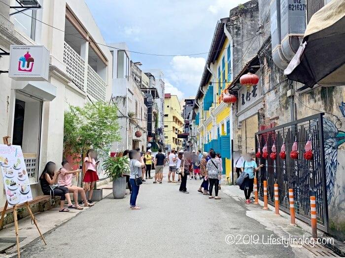 活気のある2019年10月現在の鬼仔巷(Kwai Chai Hong)