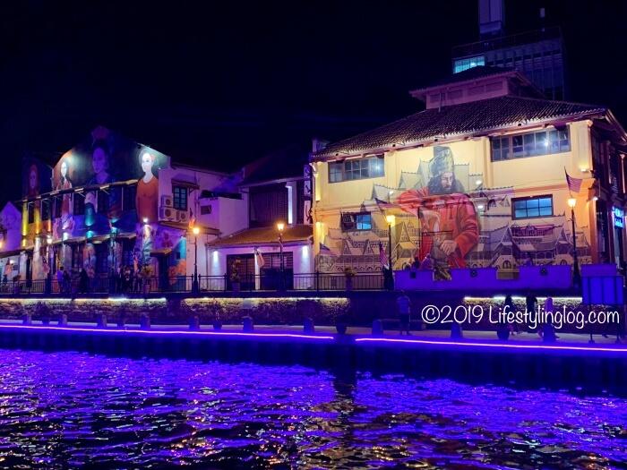 マラッカリバー沿いにあるHang Tuahのストリートアート