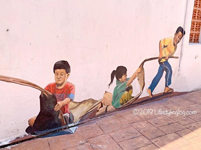 子供たちを描いたマラッカのストリートアート