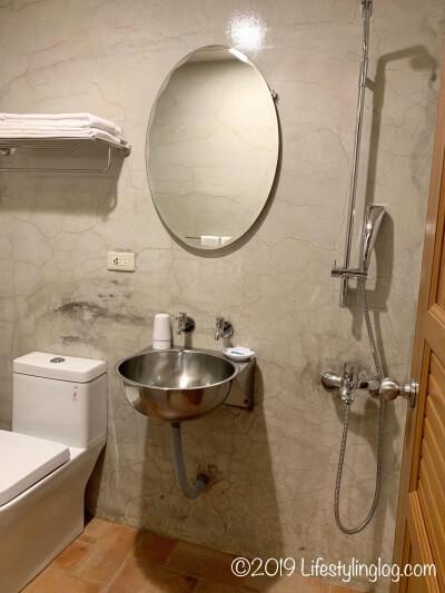 建山大旅社(ジェンシャンホテル)のバスルーム