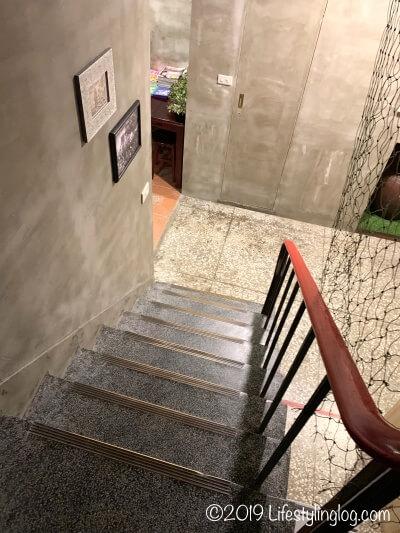 建山大旅社(ジェンシャンホテル)の階段