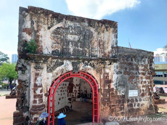 マラッカのファモサ要塞跡・サンチャゴ砦(A Famosa / Porta de Santiago )の背面