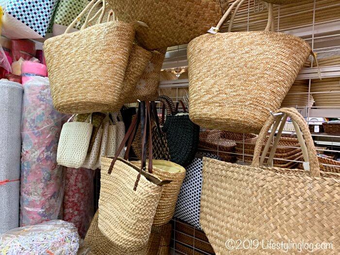 The Basket Shopで販売されているかごバッグ