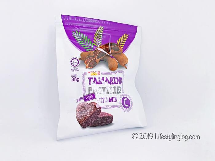 LOT100のタマリンドグミ(Tamarind Pastilles With Vitamin C)の商品パッケージ