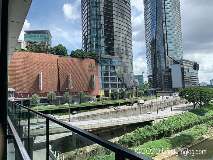 KL Eco Cityとガーデンズを繋ぐブリッジから見える風景