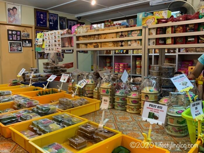 Baba Charlie(ババチャーリー)で販売されている伝統菓子とスナック
