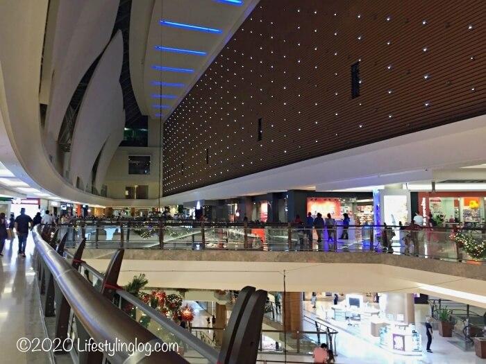 The Gardens Mall(ザ・ガーデンズモール)の内部
