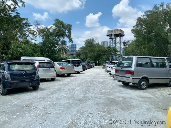 クアラルンプールの天后宮(Thean Hou Temple)の駐車場