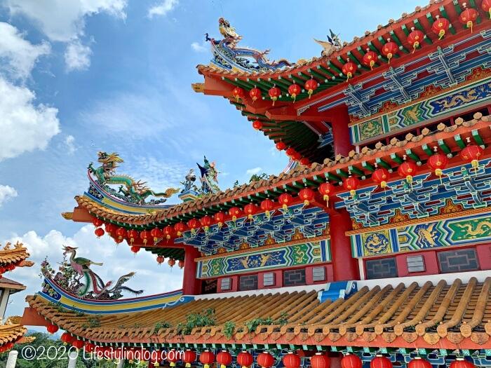 クアラルンプールの天后宮(Thean Hou Temple)の龍の彫刻