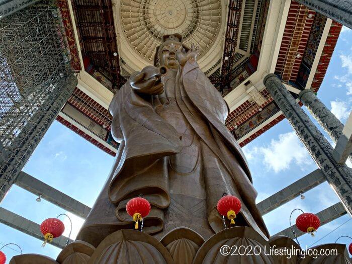 極楽寺(Kek Lok Si Temple)の巨大観音像