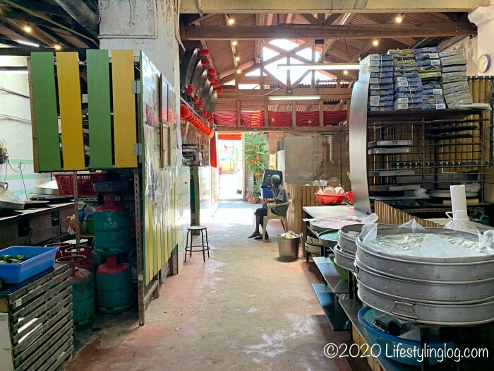 Moh Teng Pheow Nyonya Koay(莫定標娘惹粿廠)の工場スペース