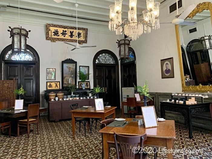 ブルーマンション(Cheong Fatt Tze Mansion)のセントラルコートヤードにある朝食エリア