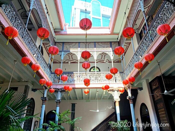 ブルーマンション(Cheong Fatt Tze Mansion)のセントラルコートヤードの天井部分