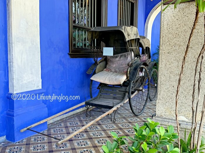 インディゴ染料を使って塗装されたブルーマンション(Cheong Fatt Tze Mansion)の壁