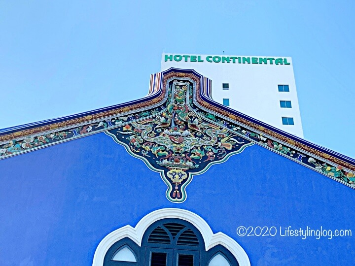 ブルーマンション(Cheong Fatt Tze Mansion)の屋根に施されたChien Nien