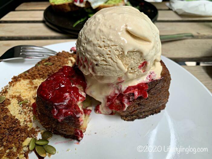 エスプレッソテイストのアイスクリームが使われたVCRのフレンチトースト