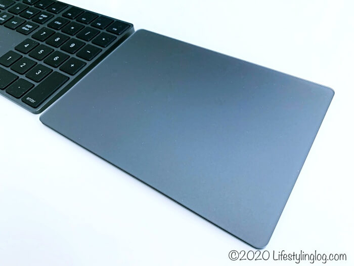 AppleのMagic Trackpad 2(スペースグレイ)