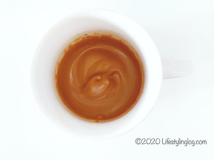 ふわふわになったダルゴナコーヒーホイップ