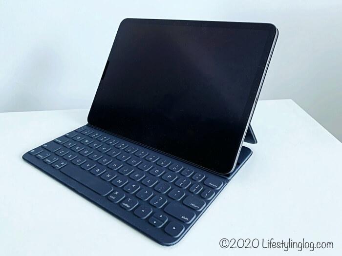 Appleの11インチ用Smart Keyboard Folio