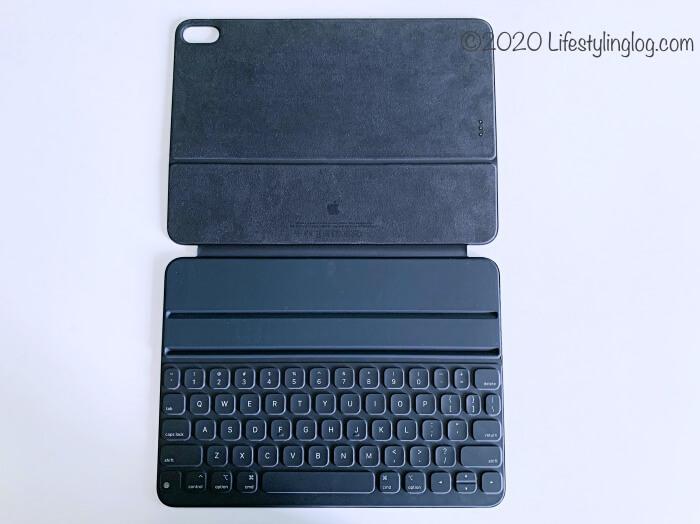 Smart Keyboard Folio(スマートキーボードフォリオ)を開いたところ
