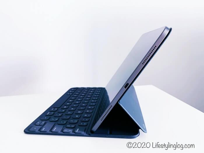 Smart Keyboard Folio(スマートキーボードフォリオ)の緩やかな角度