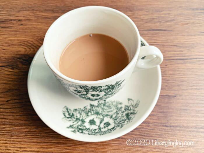 コンデンスミルクを入れた紅茶のTEH(テー)