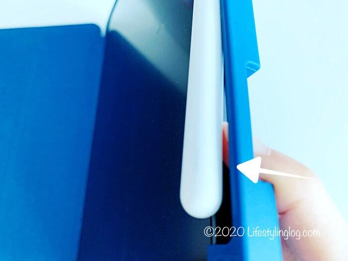 Ztotopの11インチiPad Pro(第1世代)用ケースのペンホルダー