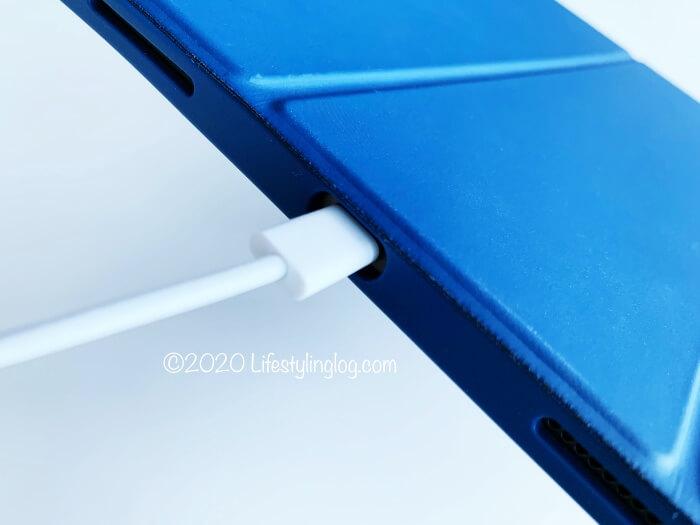 Ztotopの11インチiPad Pro(第1世代)用ケースの充電部分