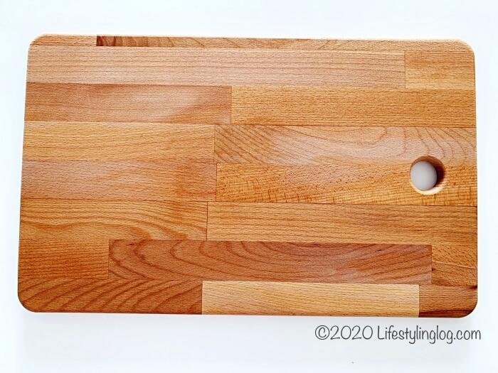 45×28cmサイズのPROPPMÄTT(プロップメット)のまな板