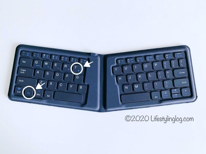 iClever 折りたたみ式Bluetoothキーボードのペアリングをする時に押すキー
