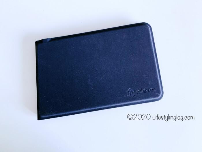 コンパクトなiClever 折りたたみ式Bluetoothキーボード