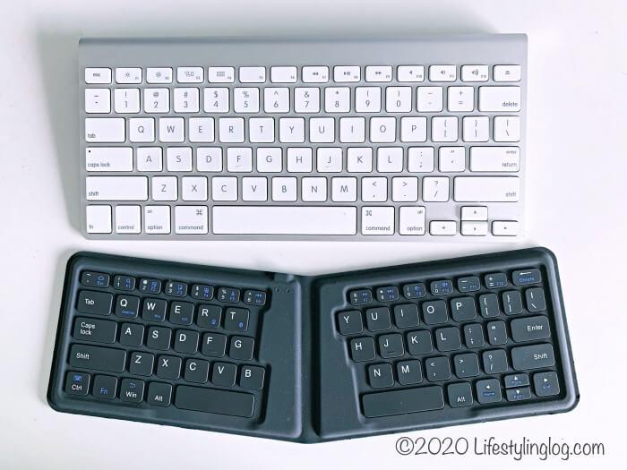 アップルのワイヤレスキーボードとiClever 折りたたみ式Bluetoothキーボードの比較