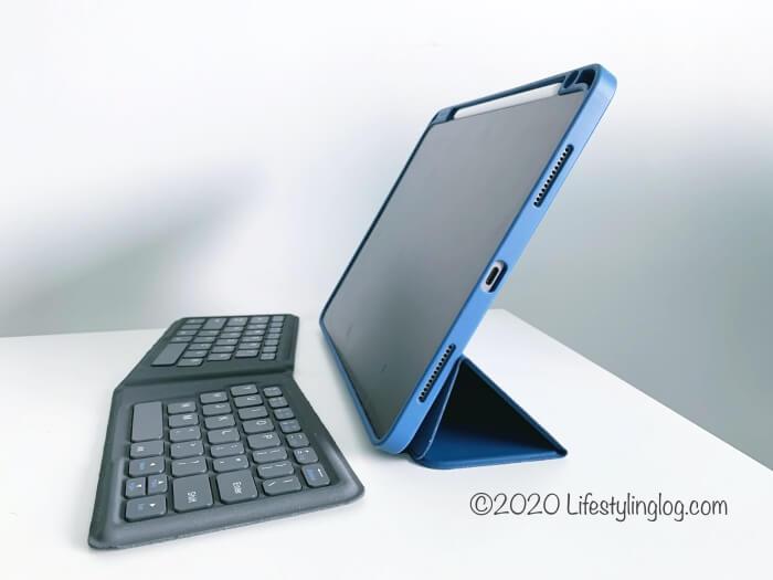 iPad ProとiClever 折りたたみ式Bluetoothキーボード