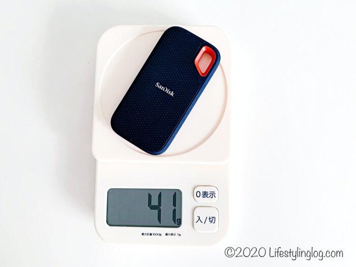 サンディスクポータブルSSDの重量