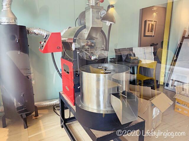 Craft Originの店内にある焙煎機