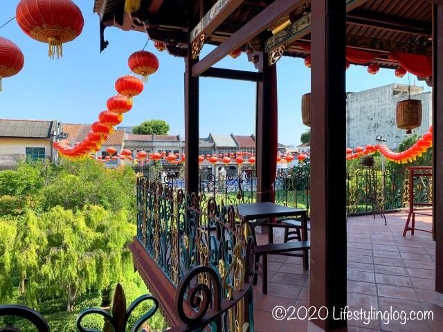 世徳堂謝公司(Seh Tek Tong Cheah Kongsi)の二階エリアから見渡す外の風景