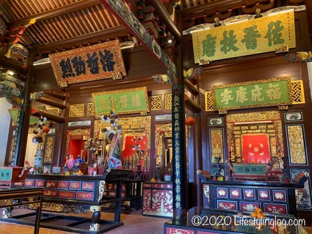 世徳堂謝公司(Seh Tek Tong Cheah Kongsi)のメインホールに祀られている神様