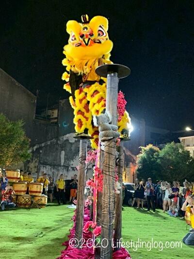 旧正月(春節)時に披露されるライオンダンス