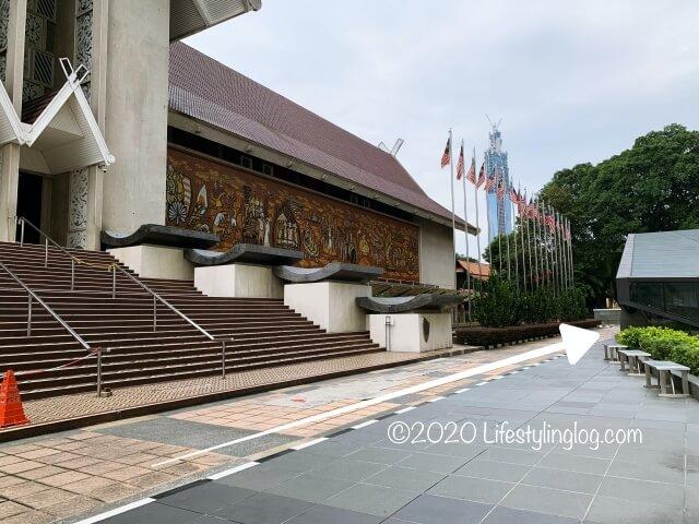 MRTミュージアムネガラ駅から植物園へのアクセス