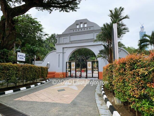 マーレシア国立博物館とOrang Asli Crafts Museumの間にあるゲート