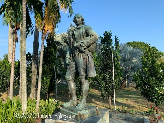 コーンウォリス要塞(Fort Cornwallis)にあるフランシス・ライトの銅像