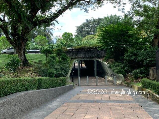 マレーシア国立博物館側にあるPerdana Botanical Garden(ペルダナ植物園)に続く道