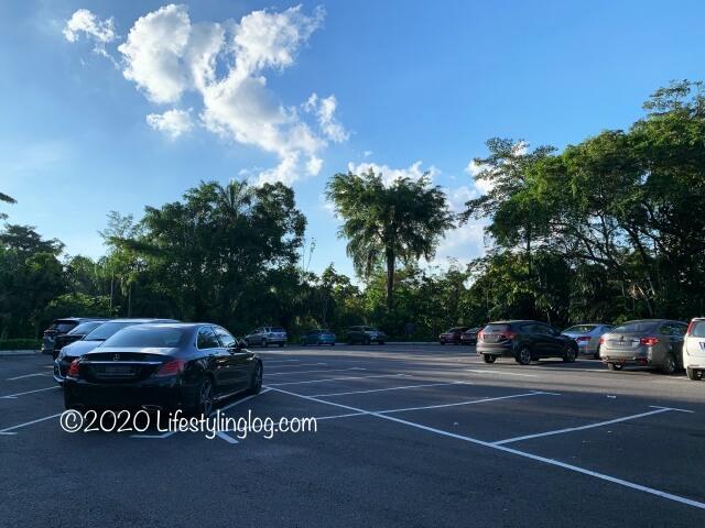 Taman Tuguの駐車場